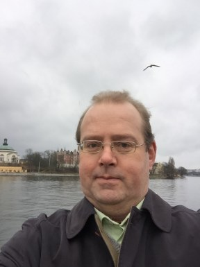 <span>Tommy, 52</span>&nbsp;<span style='width: 25px; height: 16px; float: right; background-image: url(/bitmaps/flags_small/SE.PNG)'>&nbsp;</span><br><span>Stockholm, Sweden</span>&nbsp;<input type='button' class='joinbtn' style='float: right' value='JOIN NOW' />