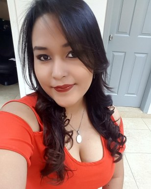 <span>Danna Flores, 27</span>&nbsp;<span style='width: 25px; height: 16px; float: right; background-image: url(/bitmaps/flags_small/HN.PNG)'>&nbsp;</span><br><span>San Pedro Sula, Honduras</span>&nbsp;<input type='button' class='joinbtn' style='float: right' value='JOIN NOW' />